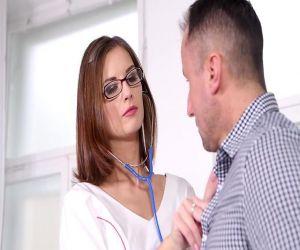 arzt fickt patient