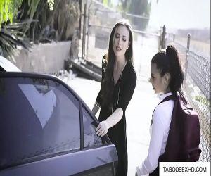 Schule Mädchen entführt und gefickt von paar