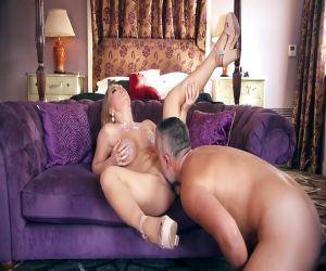Voller Fantasie anal sex mit Alessandra Jane